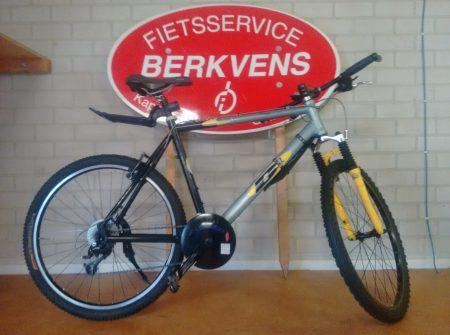 """mountainbike 26"""" in prima staat incl spatborden en standaard 245 euro"""